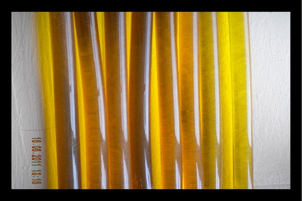 yellow-bonding-glue-stick